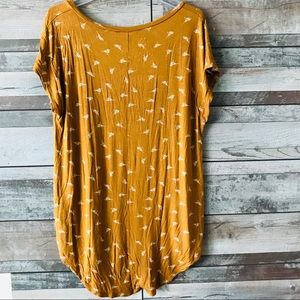 Maurices Tops - Maurices 27/7 tee women's rust color w/ birds XL